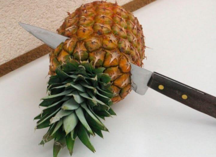 Фото разрезаемого ананаса